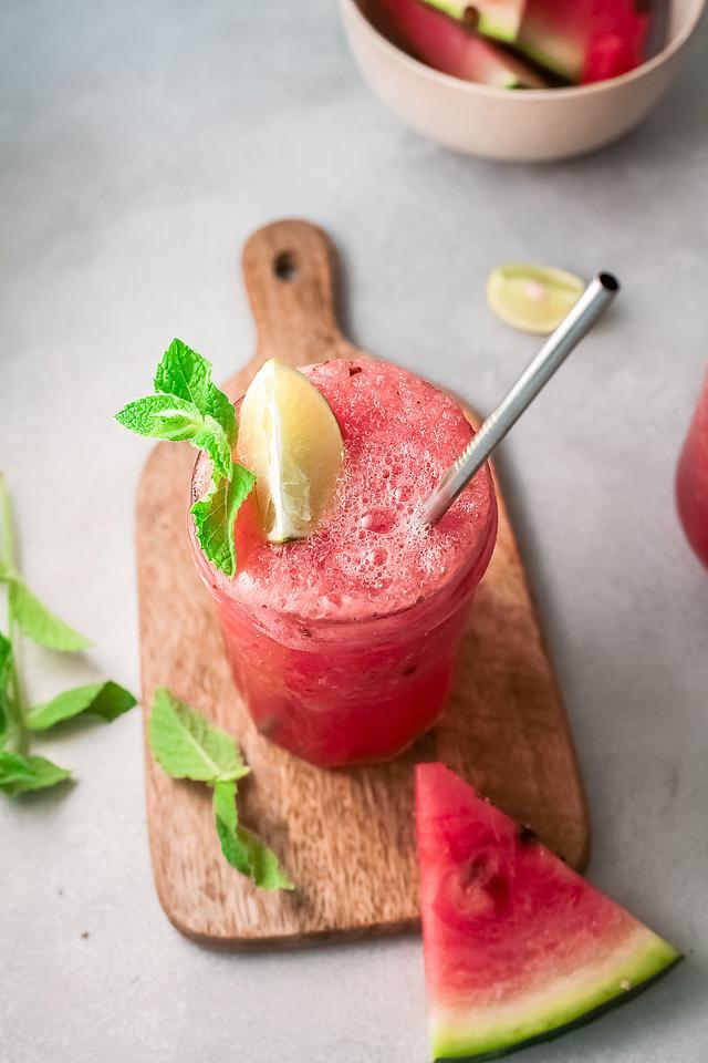 Food blogger, Bella Bucchiotti of xoxoBella, shares a watermelon white wine slushie recipe. You will love this alcoholic slushie drink recipe!