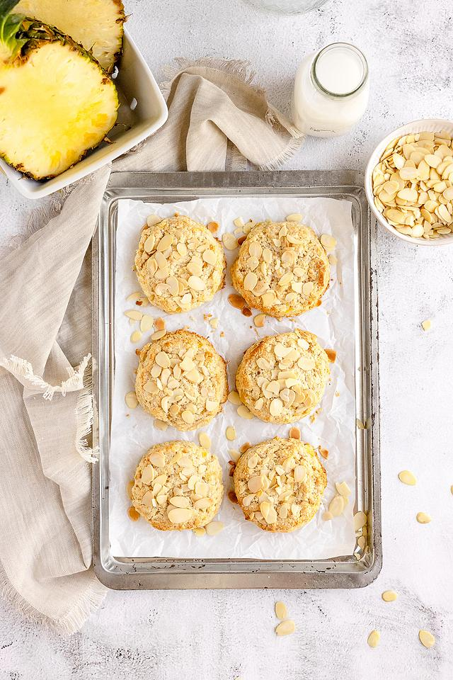 Food blogger, Bella Bucchiotti of xoxoBella, shares a recipe for tropical pineapple scones. You will love this recipe using crushed pineapple.