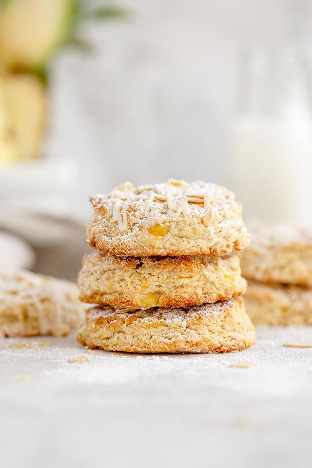 Food blogger, Bella Bucchiotti of xoxoBella, shares a recipe for tropical pineapple scones. This is the best fruit scone recipe!