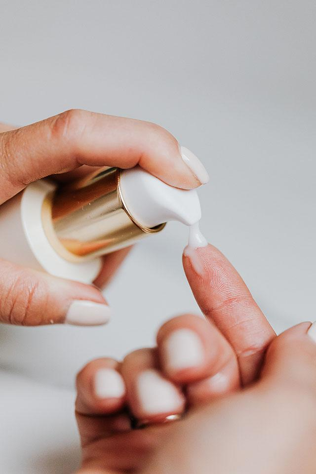 Beauty and lifestyle blogger, Bella Bucchiotti of xoxoBella, shares tips for glowing skin for back to school and her back to school skin care routine.