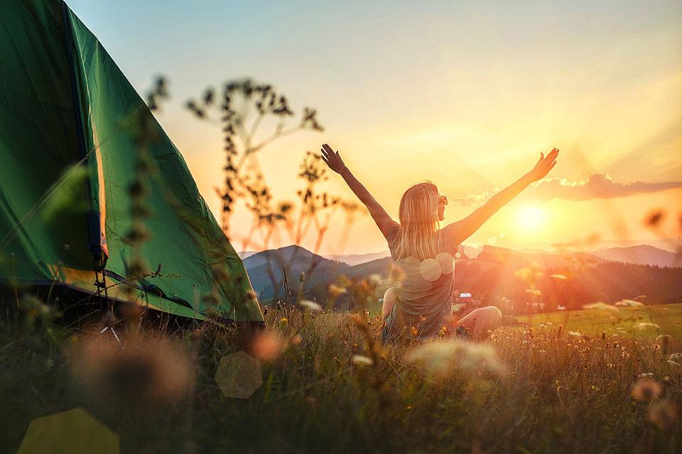 Lifestyle blogger, Bella Bucchiotti of xoxoBella, shares all the best summer camping Instagram captions and puns. You will love these RV and tent captions!