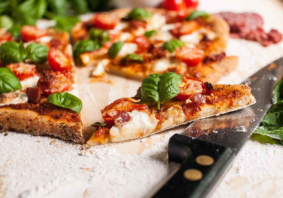 Food blogger, Bella Bucchiotti of xoxoBella, shares a homemade gluten free heart shaped pizza. It is so easy to make gluten free pizza dough at home.