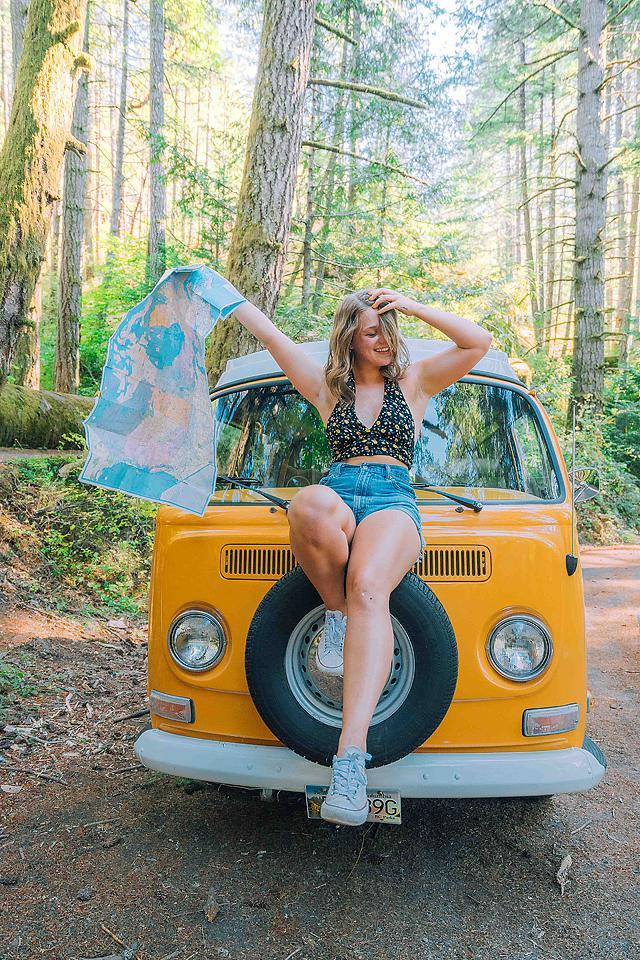 Lifestyle blogger, Bella Bucchiotti of xoxoBella, shares all the best road trip Instagram captions and puns. You will love the spontaneous day trip captions.
