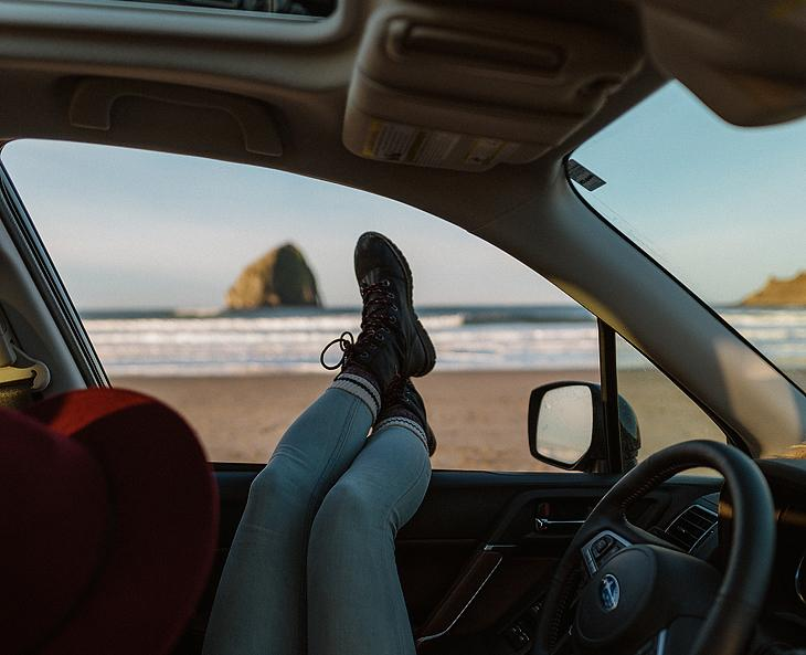 Lifestyle blogger, Bella Bucchiotti of xoxoBella, shares all the best road trip Instagram captions and puns. You will love the car ride adventure caption ideas.