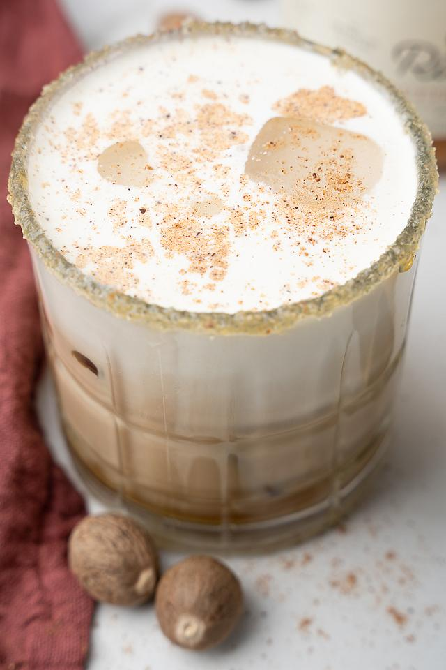 Food blogger, Bella Bucchiotti of xoxoBella, shares a salted butterscotch white Russian. This is a tasty fall cocktail using butterscotch schnapps and coffee liqueur.