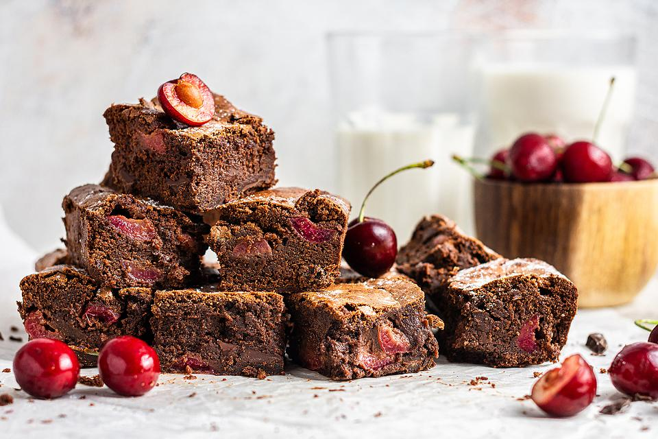 Food blogger, Bella Bucchiotti of xoxoBella, shares a double chocolate cherry brownies recipe using fresh cherries. You will love this easy cherry dessert!