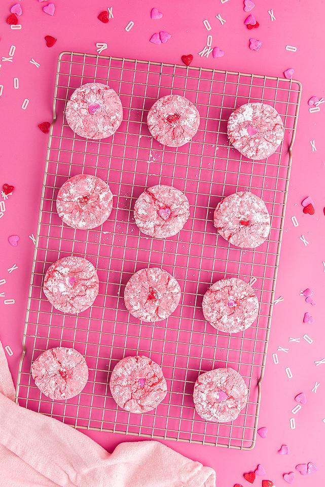 Food blogger, Bella Bucchiotti of xoxoBella, shares a recipe for easy Valentine's cookies with these Valentine crinkle cookies. You will love these cake mix cookies.