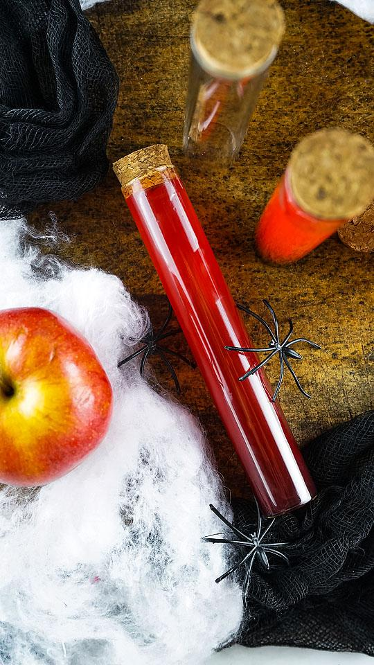 Food blogger, Bella Bucchiotti of xoxoBella shares a recipe for a Halloween vial shooter. You will love these Halloween party ideas for adults.