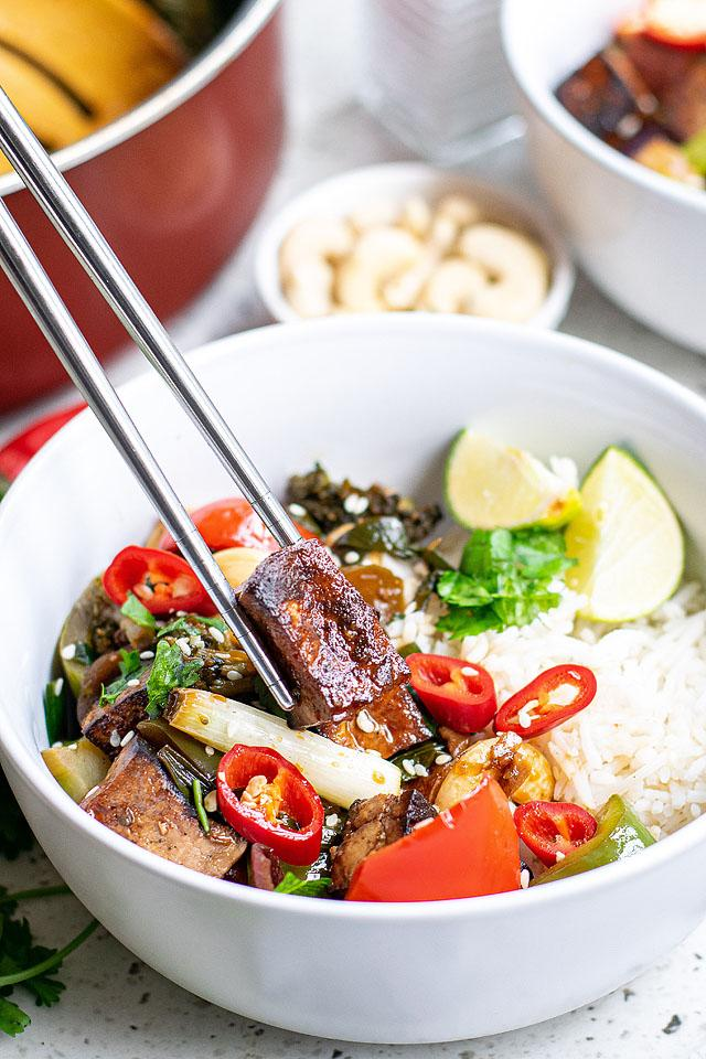 Food blogger, Bella Bucchiotti of xoxoBella, shares a recipe for Kung Pao with tofu. You will love this Chinese food tofu recipe.