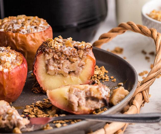 Food blogger, Bella Bucchiotti of xoxoBella, shares a recipe for air fryer cinnamon maple baked apples. You will love this air fryer apple dessert made with maple syrup.