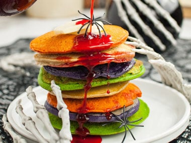 Food blogger, Bella Bucchiotti of xoxoBella, shares colourful Halloween pancakes. Learn how to make colourful pancakes and you will love this Halloween party food.