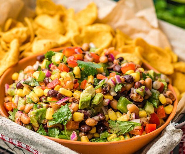Food blogger, Bella Bucchiotti of xoxoBella, shares a recipe for Texas cowboy caviar dip. This bean and corn salsa is a tasty colourful appetizer.
