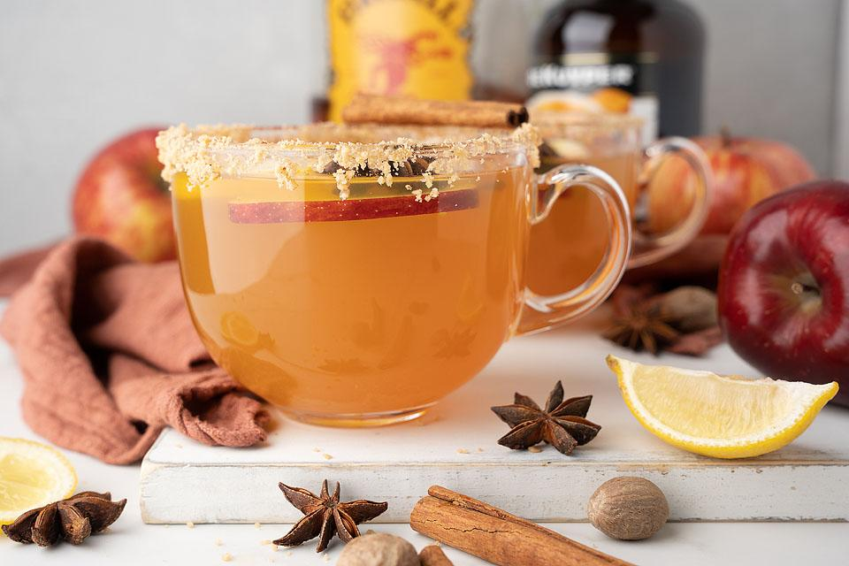 Food blogger, Bella Bucchiotti of xoxoBella. shares a recipe for toffee apple cider Fireball hot toddy. You will love this caramel apple hot cider toddy recipe.