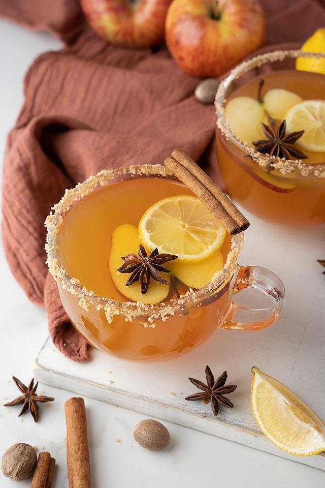 Food blogger, Bella Bucchiotti of xoxoBella. shares a recipe for toffee apple cider Fireball hot toddy. You will love this cocktail with butterscotch liqueur and cinnamon whiskey.