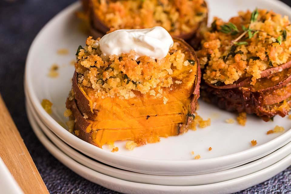 Food blogger, Bella Bucchiotti of xoxoBella, shares a recipe for air fryer sweet potato casserole stacks. You will love this sliced yam casserole made with thin sliced sweet potato.