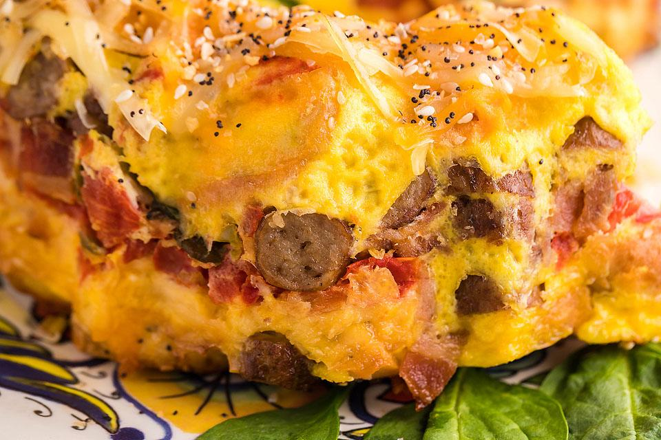 Food blogger, Bella Bucchiotti of xoxoBella, shares a recipe for an air fryer loaded bagel breakfast bake casserole. You will love this easy breakfast strata.