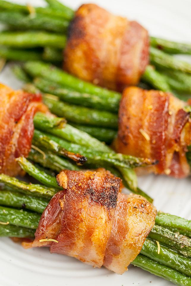 Food blogger, Bella Bucchiotti of xoxoBella, shares a side dish recipe for maple bacon wrapped green bean bundles. Holiday vegetable dishes with bacon are tasty!