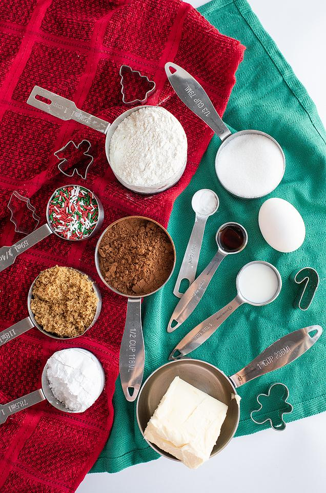 Food blogger, Bella Bucchiotti of xoxoBella, shares a recipe for Christmas chocolate sugar cookies and buttercream dip. These sugar cookie dippers are great for a Christmas party.