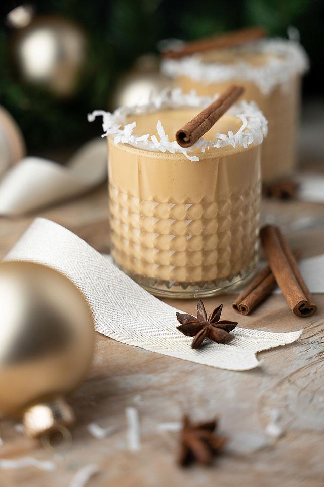 Food blogger, Bella Bucchiotti of xoxoBella, shares a cocktail recipe for eggless coquito con dulce de leche or Puerto Rican rum eggnog. You will love this coconut eggnog.